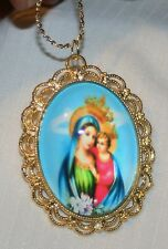 Lacy Scallop Rim Crowned Our Lady Queen of Heaven Cameo Goldtne Pendant Necklace