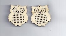 2 pcs bois charme pendentifs hibou natural cross stitch