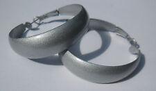 Bijou fantaisie:boucles d'oreille creoles grises diam 4 cm, largeur 1,5 cm
