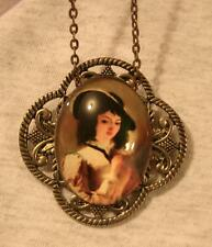 Scalloped Leafy Rim Renaissance Courtier Lady in Waiting Pendant Necklace Brooch