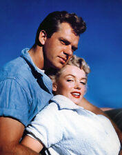 Marilyn Monroe and Keith Andes UNSIGNED photo - B1954 - Clash by Night
