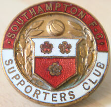 SOUTHAMPTON Rare vintage SUPPORTERS CLUB Badge Button hole fitting 26mm x 26mm