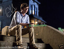 Freddie Highmore as Norman Bates on Bates Motel reprint signed photo #2 RP