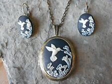 (HUMMINGBIRD CAMEO LOCKET and FRENCH EARRINGS SET) - BLACK - BRONZE - BIRD
