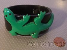 vtg French chunky black bangle bracelet BIG BOLD CARVED GREEN LIZARD REPTILE