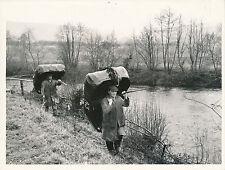 PAYS DE GALLES c.1950 - Pêcheurs  Coracles Le Fleuve Teifi - Div 7695