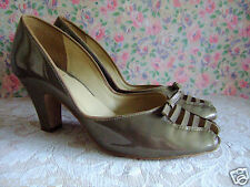 UK 8 Clarks Coconut Ice vtg 40s WW2 50s style patent leather peep toe shoes