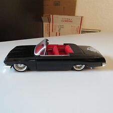 WEST COAST CHOPPERS IMPALA SS LOWRIDERCONVERTIBLE MUSCLE MACHICES 1:24 SCALE DIE