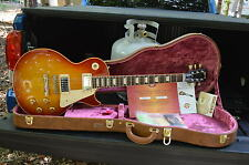 GIBSON LES PAUL 1959 HISTORIC REISSUE R9  2004 W/OHSC AND CASE CANDY