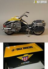 ONE:12 COLLECTIVE JUDGE DREDD LAWMASTER VEHICLE LIGHTS & SOUND 1:12 SCALE MEZCO