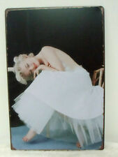 Plaque murale métal Marilyn Monroe tutu blanc coté decoration retro pinup