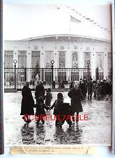 PHOTO 1958 AZERBAIDJAN BAKOU BAKU PALAIS DES SPORTS ENFANTS POUR LE NOUVEL AN