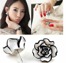 Elegant Chic Gril Simple Black & White Rose Flower Stud Earrings EY441