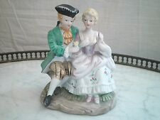 BISCUIT FIGURINE GROUPE SCENE GALANTE  PORCELAINE BISCUIT