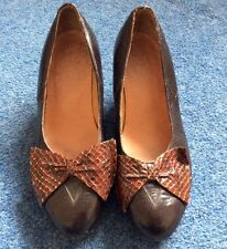 Vintage 1940's Real Leather and Crocodile Skin court Shoes