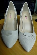 Just Fab Suede Aydna Pumps Blush Size 11 Medium New in Box