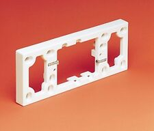 HPM 4-GANG OUTLET MOUNTING BLOCK Plastic White 191x73x16mm
