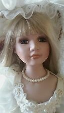 DUCK HOUSE HEIRLOOM DOLL 052/5000 27 IN. TALL VINTAGE