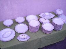 Magnifique service en porcelaine de Limoges 57 pièces maison Balleroy et Cie
