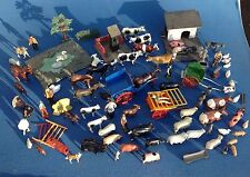LARGE COLLECTION OF 1930 BRITAINS LEAD FARM ANIMALS INCLUDING RARE BUILDINGS