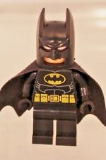 LEGO: Minifig: Batman - Black Suit with Yellow Belt and Crest