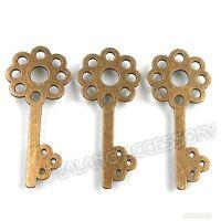 15pcs Vintage Antique Bronze Tone Flower Key Charms Alloy Pendant Hot Findings C