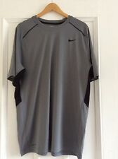 Para Hombre Nike Dri-Fit Correr/Entrenamiento Camiseta. Talla pequeña