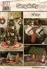 UNCUT Simplicity Crafts Pattern 8771 Ornaments, Mouse House, Tree Topper, Stocki