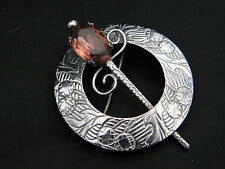 LOVELY CIRCULAR CELTIC DAGGER WITH CLEAR AMBER COLOURED STONE BROOCH