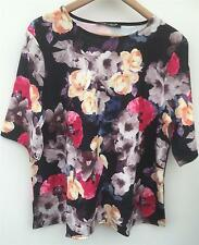 LOVE LABEL NEW WITH TAGS STUNNING FLORAL TOP - Size 18