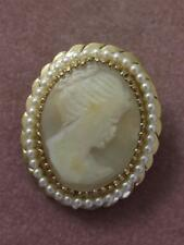 VINTAGE CARVED SHELL CAMEO GOLD TONE/ PL PIN W/ TINY FAUX PEARL FRAME