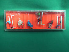 HO/OO GAUGE PREISER 6 X SITTING PEOPLE & 3 BENCHES NEW IN BOX