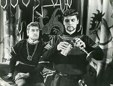 BRIAN AHERNE  MICHAEL MEACHAM LANCELOT AND GUINEVERE 1963  PHOTO ORIGINAL #1