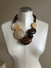VIKTORIA HAYMAN Wood Shell Necklace