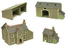 Metcalfe PN150 Card -  Manor Farm &  Buildings (N Gauge) Railway Model