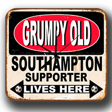 Reloj De Pared Grumpy OLD Southampton partidario vive Metal Estaño Firmar Regalo Perfecto
