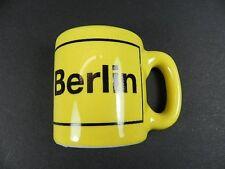 Magnet Berlin Kaffeetasse Ortsschild,Poly Souvenir Germany,NEU