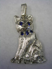 CAT PENDANT CHARM WITH SAPPHIRE BLUE EYES AND COLLAR IN STERLING SILVER