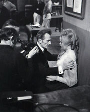 VERONICA CARLSON & PETER CUSHING UNSIGNED PHOTO - 4081