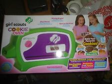 GIRL SCOUTS ELECTRIC COOKIE OVEN, BAKES YOUR FAVORITE COOKIES, NEVER OPENED, SEA