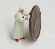 "Preiser 1/87 HO  ""The Pope"" Pope Benedict XVI Figure 28060"