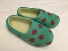 FELTED WOOL HANDMADE SLIPPERS GREEN RED POLKA DOTS WOMENS 6.5-7.5