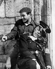 Gene Kelly and Lionel Royce UNSIGNED photo - B2289 - The Cross of Lorraine