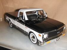 Jada Dub 1:24 1972 Black Two tone Chevy Cheyenne Pick Up Truck Stock rims