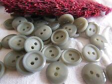 Lot 30 petits  boutons vintage gris classique 2 trous rebord 1,3 cm ref 1073
