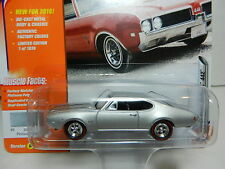 2016 Johnny Lightning *MUSCLE CARS USA 2D* Silver Olds Oldsmobile Cutlass 442