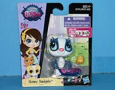 #3879 Littlest Pet Shop Singles Combo PET PAWSABILITIES Honey Badgely