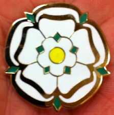 ROTHERHAM-SHEFFIELD-BRADFORD-LEEDS LARGE YORKSHIRE ROSE ENAMEL PIN BADGE