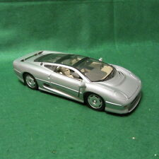 Jaguar XC220 Maisto 1:18 Scale Die-Cast Model Car