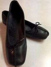 New Casual / Career Leather Clarks Dress Shoe Flats Sz 7.5 Blk Very Cute